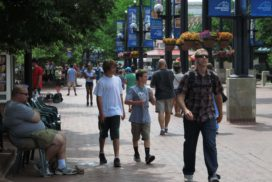 Pearl Street Mall walking