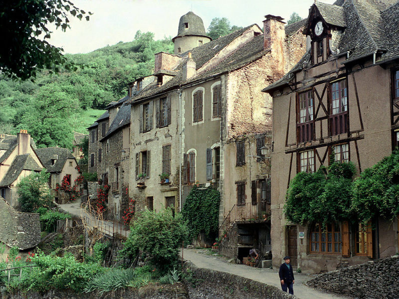 conques_conques_aveyron_france_1_1024x1024